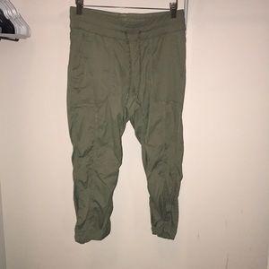 c2017cfe349e Pants - Olive green North Face hiking pants!